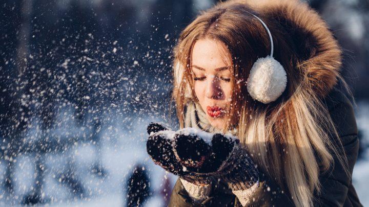 Come proteggere i capelli in inverno