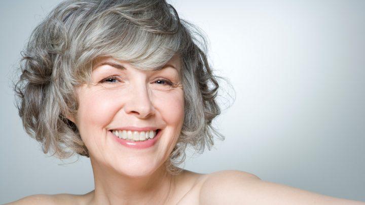 Invecchiamento dei capelli: cause e rimedi