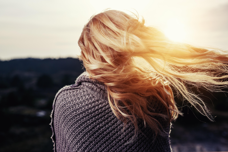 Schiarire i capelli con metodi naturali e casalinghi
