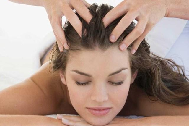 Trattamenti per capelli: il massaggio al cuoio capelluto