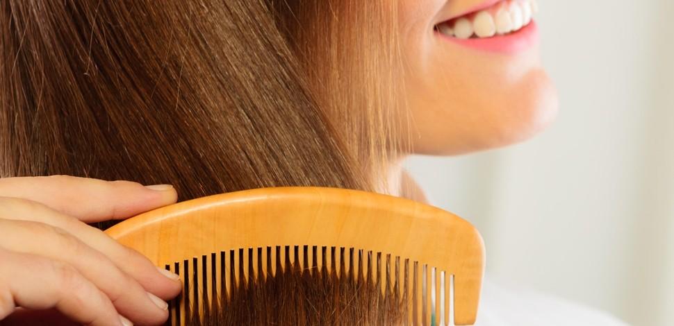I principali problemi dei capelli, che possono determinarne la caduta