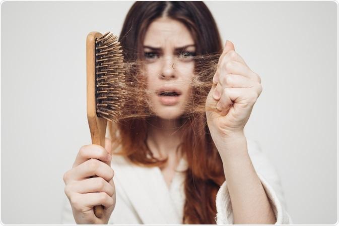 I migliori trattamenti contro la caduta dei capelli per l'estate